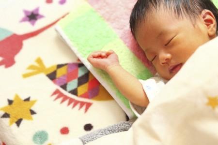 新生児期 夜泣き予防