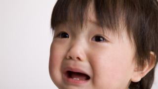 赤ちゃんの夜泣きはいつから始まる?
