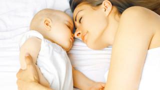寝かしつけを変えると夜泣きが改善できる