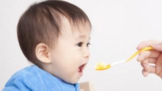 離乳食と夜泣きの関係