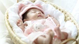 新生児の赤ちゃんを寝かしつける方法