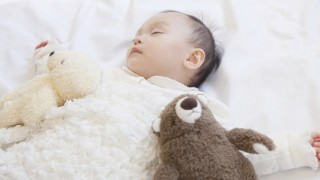 赤ちゃんの寝かしつけを変えるタイミングと方法