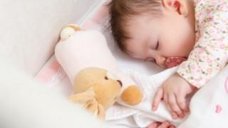 赤ちゃんをひとり寝させる方法